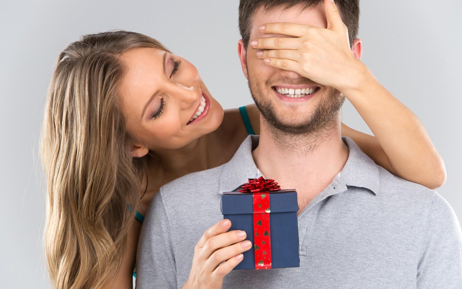 51926045fa4e Термобелье. Ваша забота не останется не замеченной — парню на 23 февраля  этот подарок будет как раз кстати. Качественное термобелье прослужит ни  один сезон.