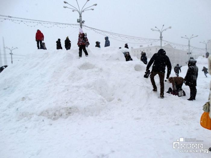 Снежные замки на Площади Победы