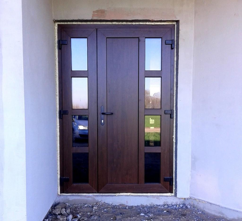 входная дверь в частный дом пвх
