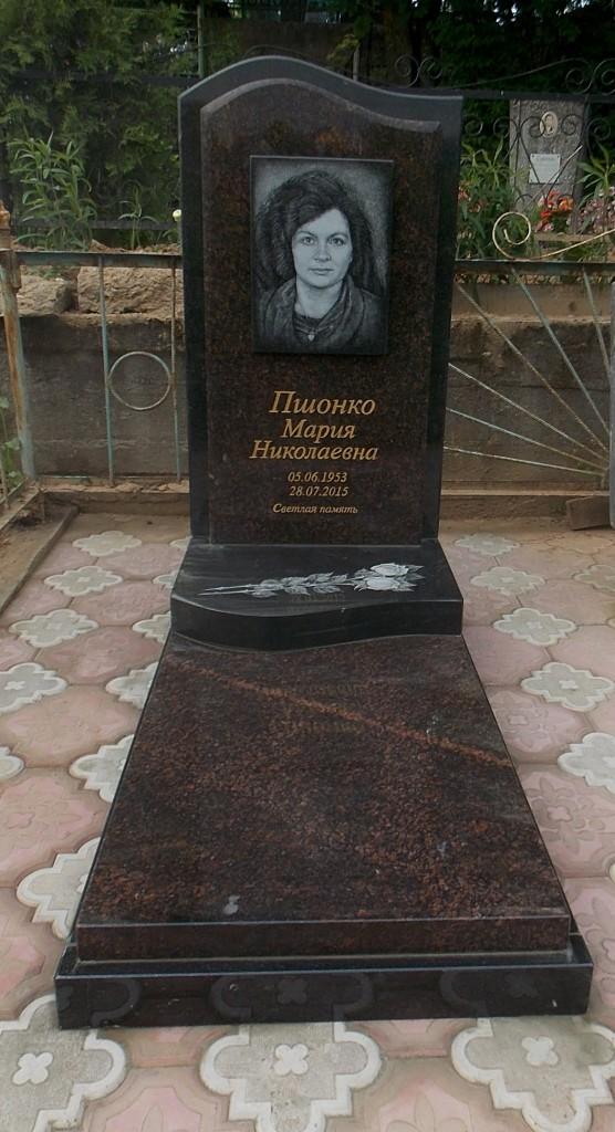 памятник из дымовского гранита фото стена