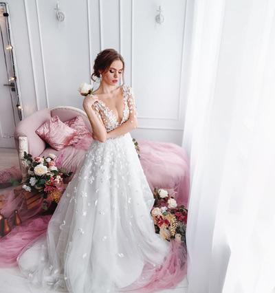 работа модели для свадебных платьев