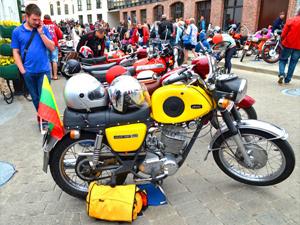 Больше ста любителей ретро-мотоциклов  из десяти стран Европы примут участие в фестивале «Кола Часу»