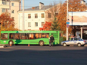 В Витебске автобус на переходе сбил женщину