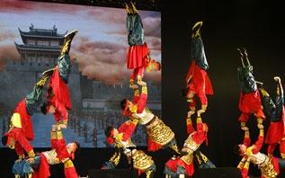 """Цирковое шоу из Китая """"Радуга на шелковом пути"""" на Славянском базаре 2019 в Витебске"""